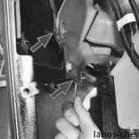 Крепление крыла к передней части моторного отсека